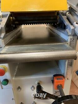 Axminster 10 Planer Thicknesser AW106PT2 In Excellent Condition