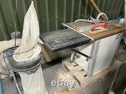 Axminster Trade Table Saw 240v With Extraction
