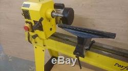 Axminster ccbl perfomance Woodturning Lathe with hss turning tool set