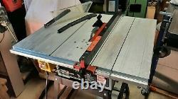 Delta 36-525 table saw 240v with aluminium table. Excellent used condition