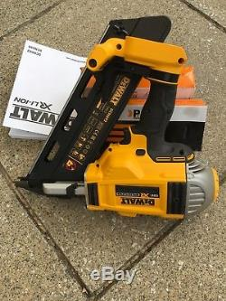 Dewalt dcn692 nailer 50mm to. 90mm first fix to include 1000 nails