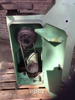 Startrite Vertical Bandsaw 18-s-10. 3 Phase. Tilt Table. Tested And Working